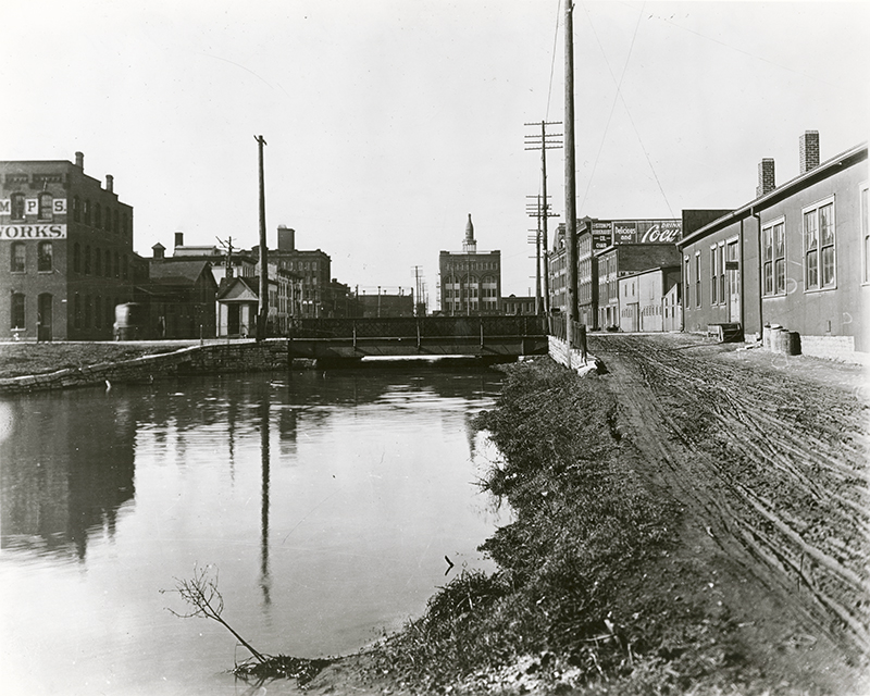 Miami-Erie Canal bridge at Second Street, Dayton (1911)