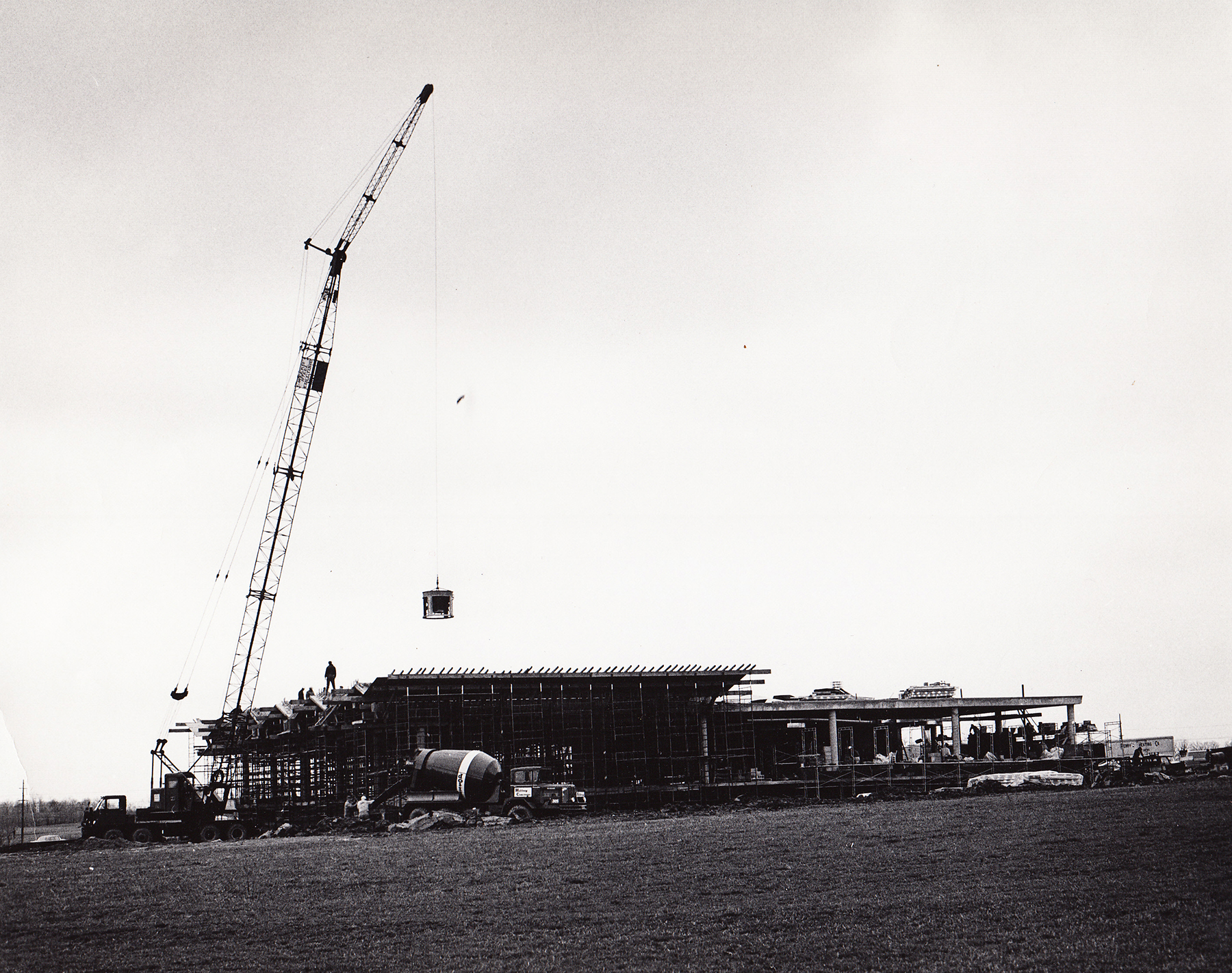 Allyn Hall under construction. (University Archives)