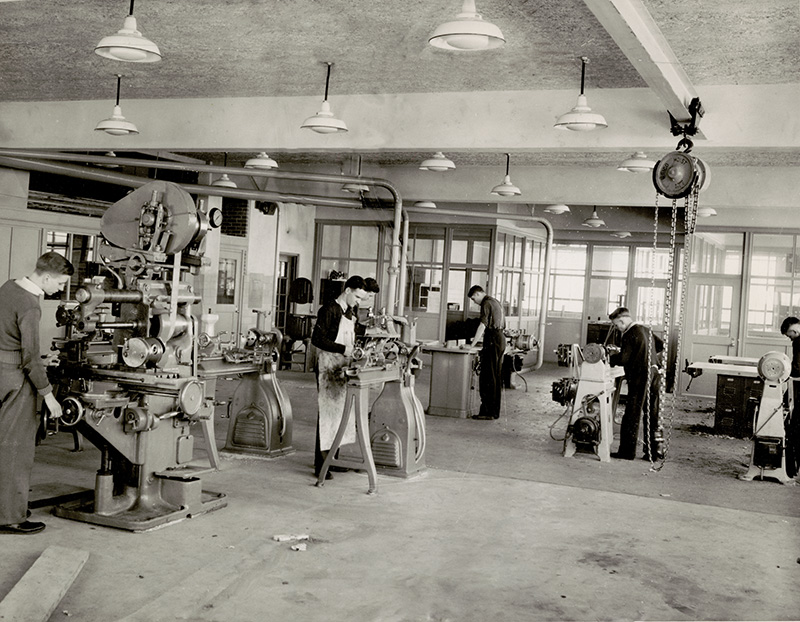 Fairmont H.S. work shop, 1940? (Fairmont_10)
