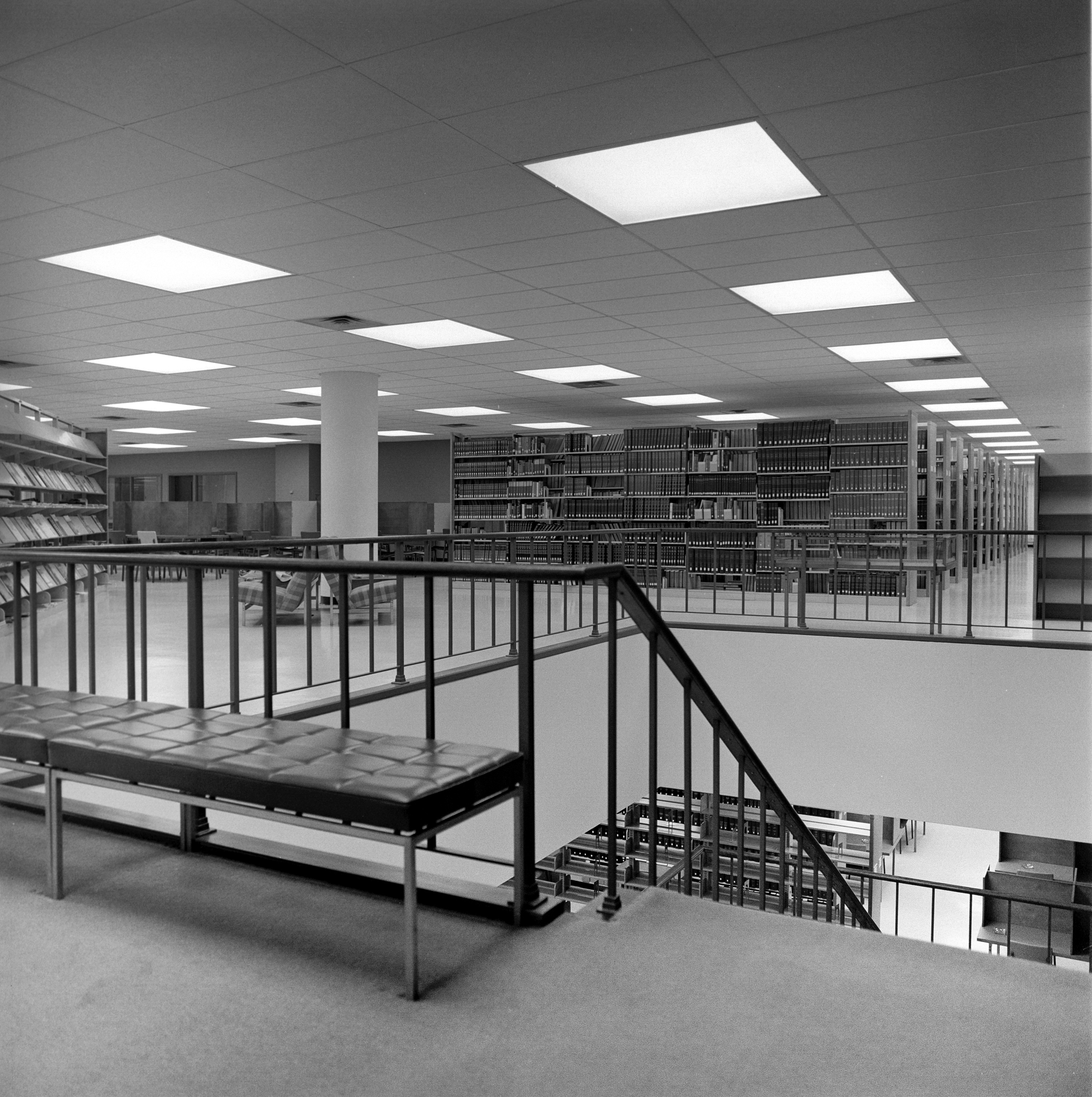 Old library in Millett Hall, 1969 (6904-24-5 6)