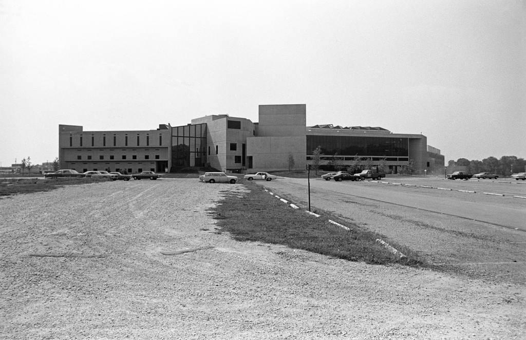 Creative Arts Center & University Library, 1974 (7408-26-8 19a)