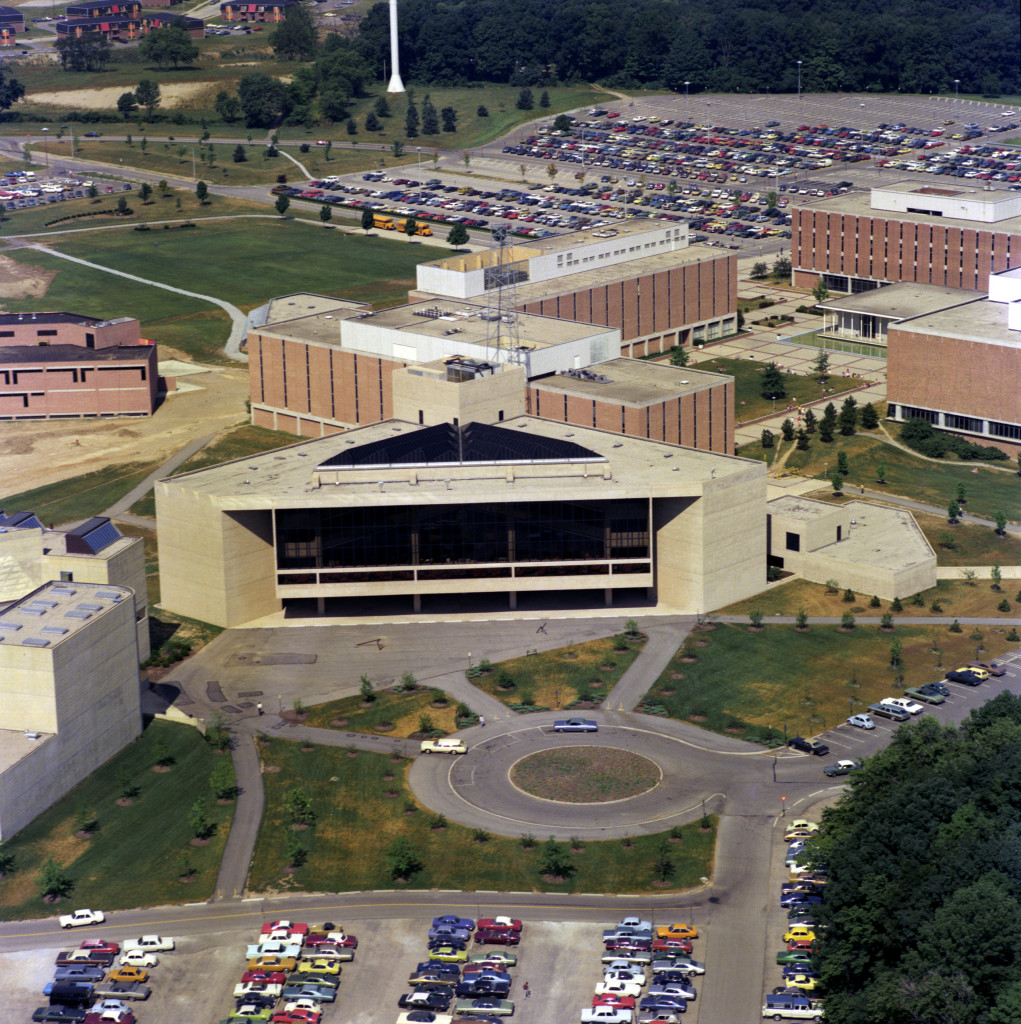 University Library aerial, 1975 (7507-10-7 6)