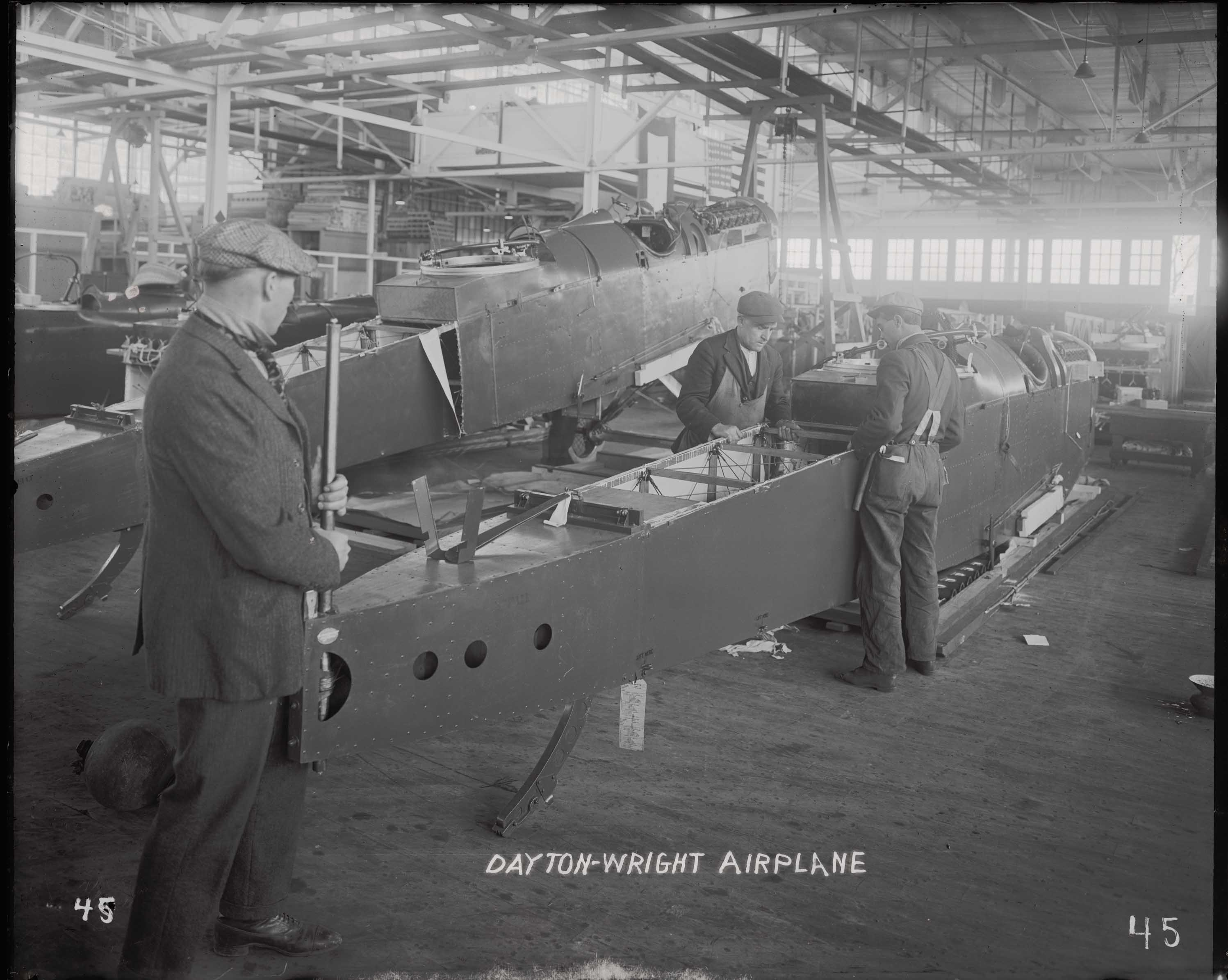 De Havilland DH-4 at Dayton-Wright Airplane Co. (from MS-152)