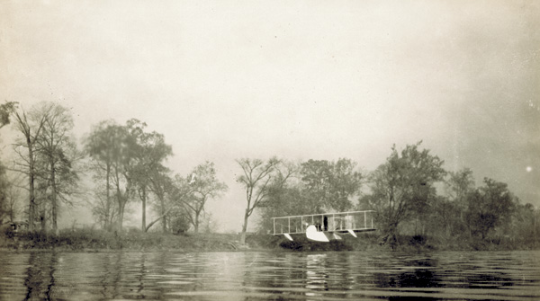 Wright Model G Aeroboat  on the Great Miami River, 1913 (photo # ms1_20_3_12)