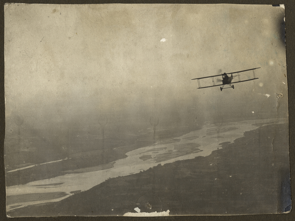 Überlandflug über dem Lech (Cross country flight over the Lech River), 1918 (photo # ms274_1_05_02)