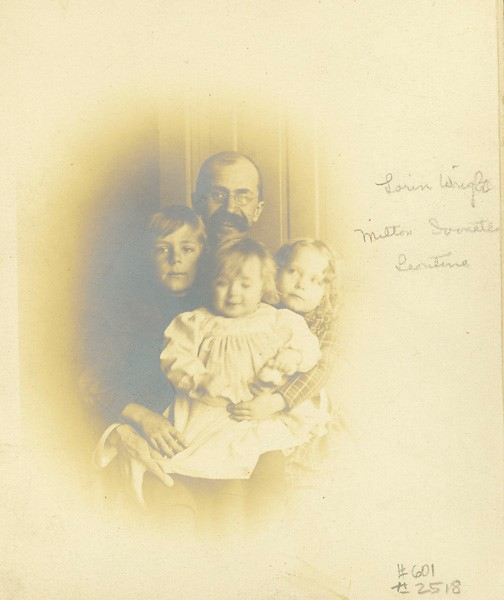 Lorin Wright with three of his four children, 1900 (ms1_29_5_11)