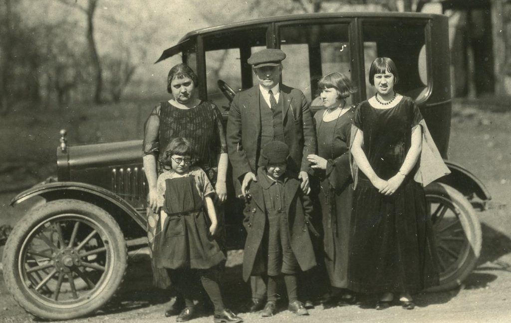 Pauline, Eugene, Mother (Catherine), Daddy (Jesse), Wilma, and Mae, 1922 (cropped from larger photo)